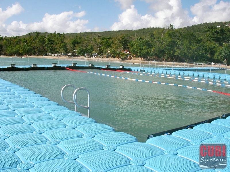 Floating Swimming Pool With Floating Docks Cubisystem