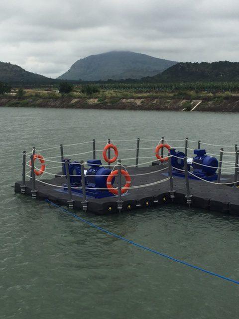 pontons flottants